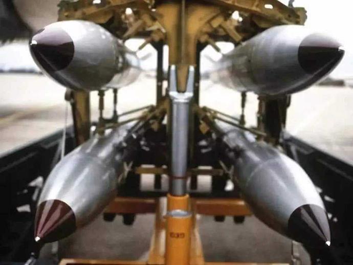 美军装备的核炸弹。