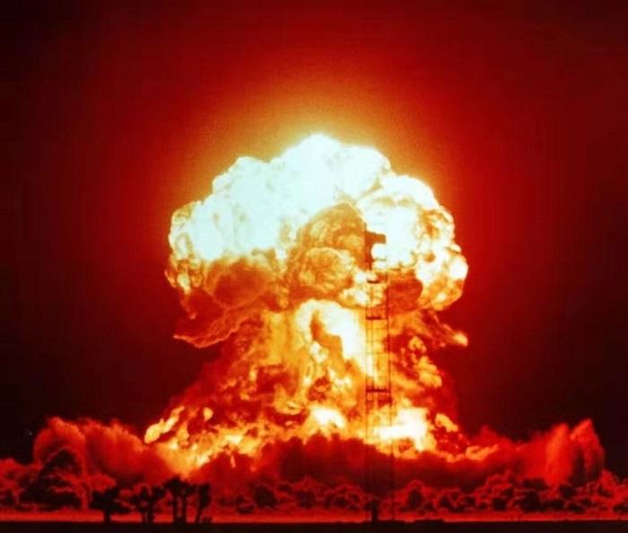原子弹爆炸图 来源:俄新社