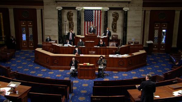 1月13日美国众议院辩论现场。