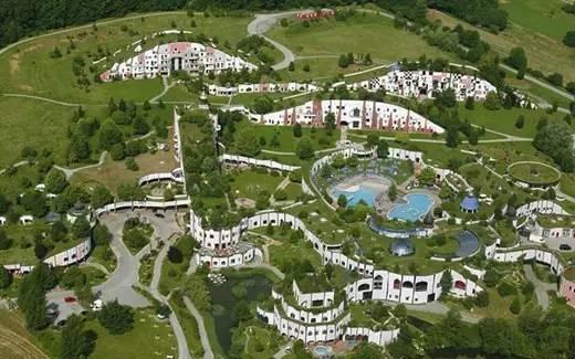 布鲁茂温泉酒店(Rogner Bad Blumau)