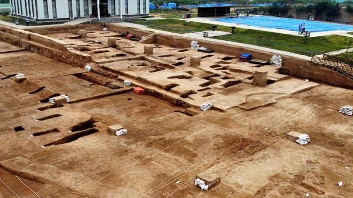 """中国最早宫殿现身""""河洛古国"""",将宫室制度提前千年"""