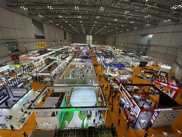 第三届进博会3号馆的技术装备展区 本文图均为澎湃新闻记者 俞凯 图
