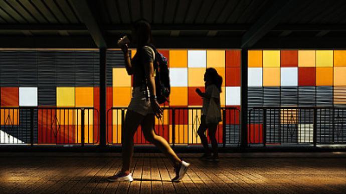 中国家庭|藏在隐秘角落的街角青年