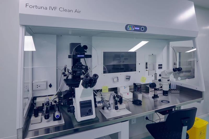 """代孕公司的""""实验室""""。在这里会进行取卵、合成与移植胚胎。"""