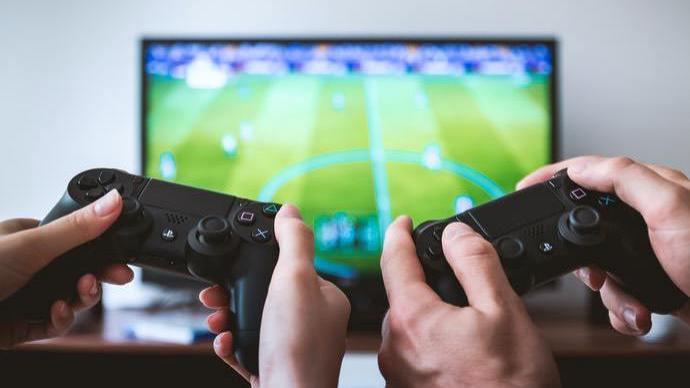 游戏还只是娱乐吗?20年一座桥,连接我们的人生