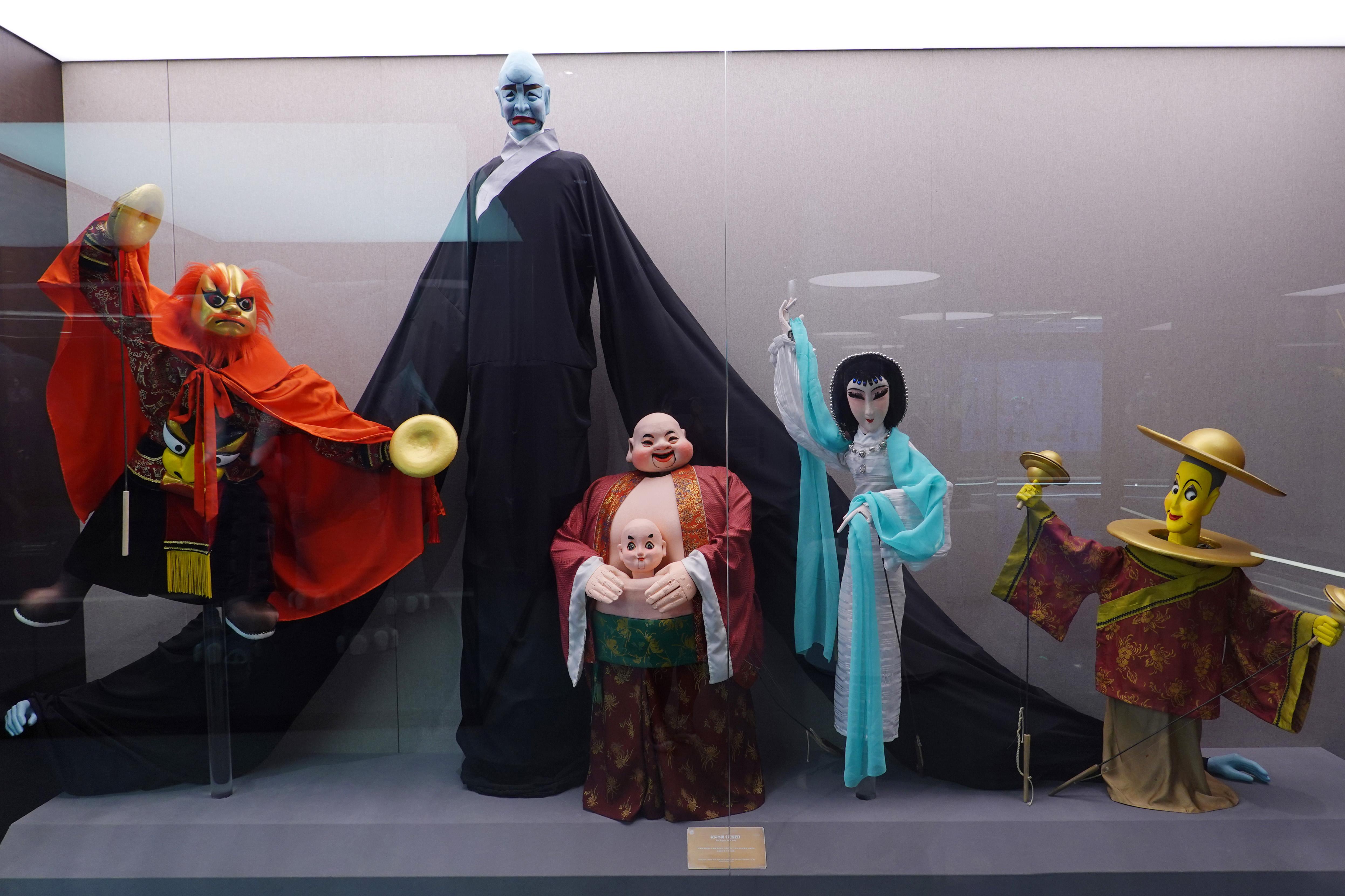 上海木偶剧团《红宝石》