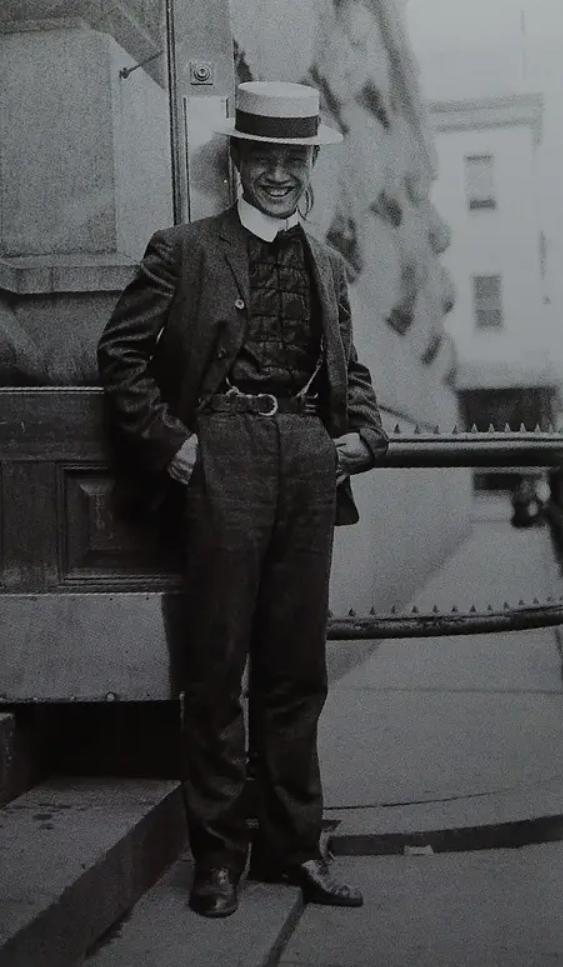 """协胜堂大佬""""素鸭"""",摄于19世纪末20世纪初"""
