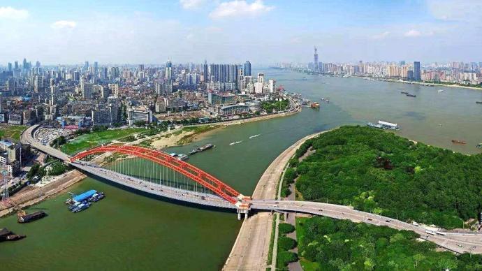 湖北省政府工作报告:今年目标为地区生产总值增长10%以上