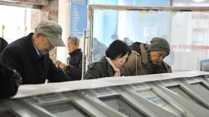 2020年股基冠军赵诣四季度大幅减仓,坚守新能源和电子