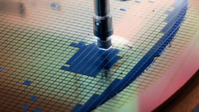 專家談電子元器件:基礎地位重要,但產業不強龍頭企業匱乏