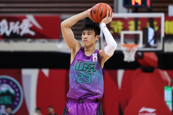 贾诚在击败山西男篮的比赛中发挥出色。