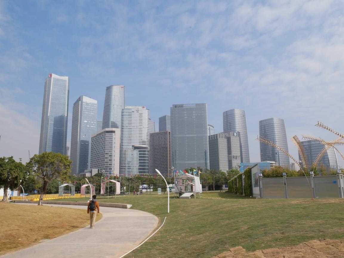 深圳前海,建筑勾勒出的天际线 Ewbar 图