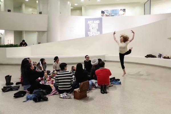 赵半狄在纽约古根海姆美术馆内举行的派对