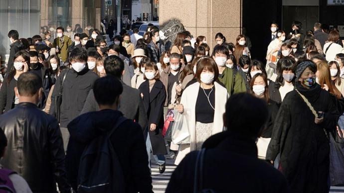 """美媒:日本为何担心其世界领先的医疗体系会因新冠""""崩溃""""?"""