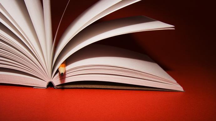 湃书单|澎湃新闻编辑们春节假期里在读的书
