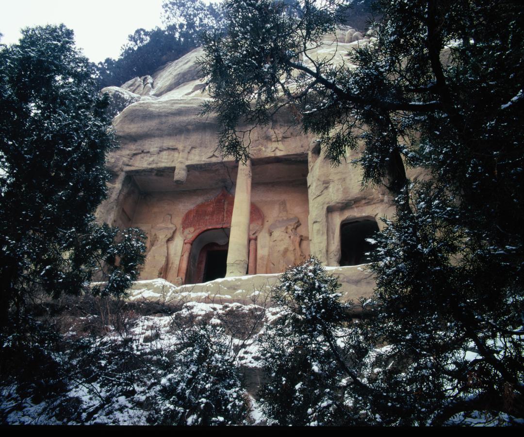 天龙山第8窟外景。太原市天龙山石窟博物馆提供
