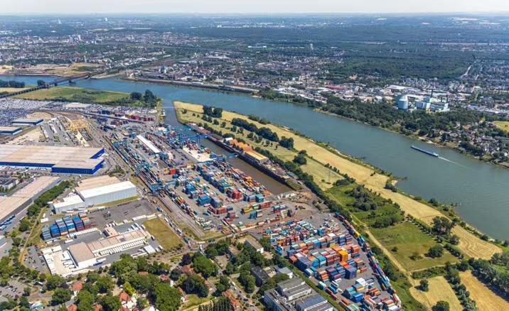 星耀娱乐:中欧班列疫情中逆势而行,德国港口装卸量创新纪录