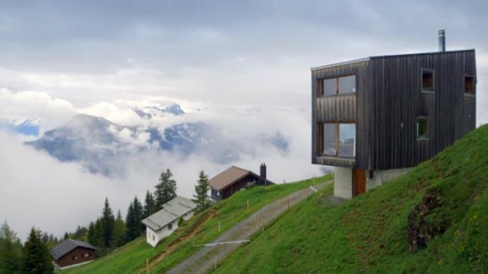 谁不想住在瑞士山顶的小木屋里呢