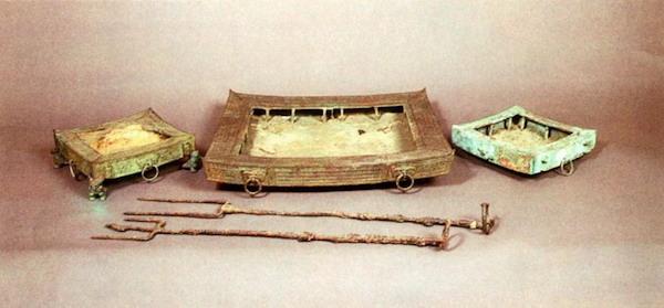 南越王墓里的烤炉等物