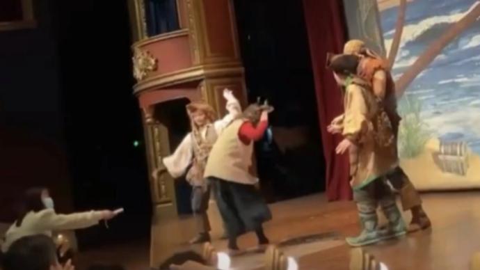 警方通報迪士尼游客拍打演員:系急性精神病障礙患者