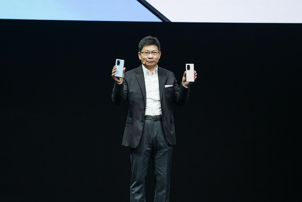 2月22日,华为发布新一代折叠屏手机华为Mate X2 来源:华为