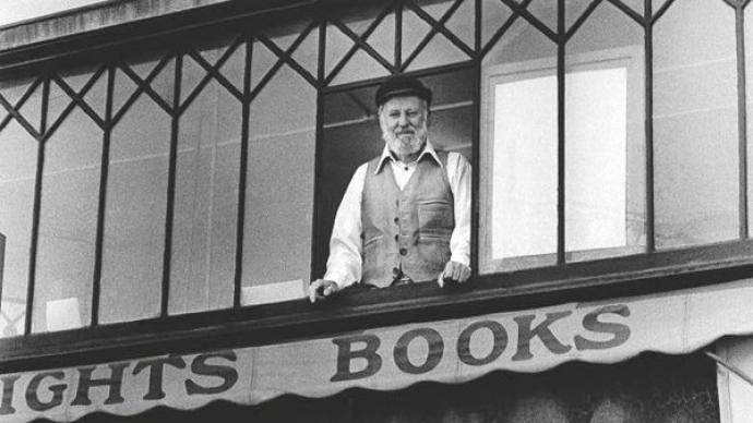 垮掉派诗人劳伦斯·费林盖蒂去世,享年101岁