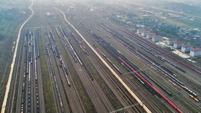 国家综合立体交通网规划纲要:到2035年铁路总规模20万公里