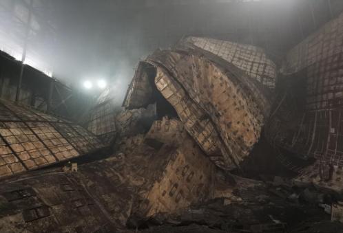 暗室屏蔽钢结构坍塌现场