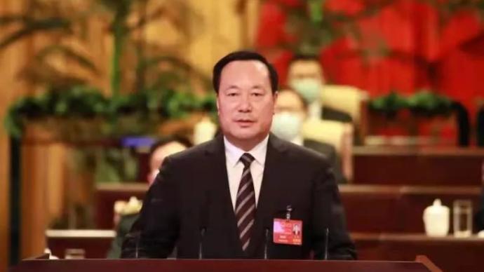 高润喜当选内蒙古呼伦贝尔市市长