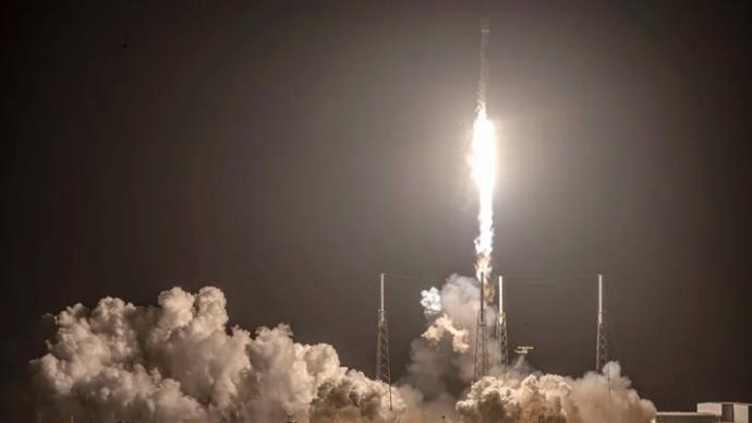 """贝佐斯的太空公司蓝色起源""""新格伦""""火箭推到2022年首飞"""