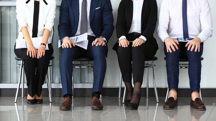 南昌一公司要求应聘者登记恋爱经历,人社局:企业知错已更改