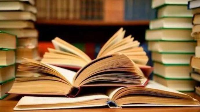 上海大学生最爱看哪些书?13所院校年度图书馆大数据出炉