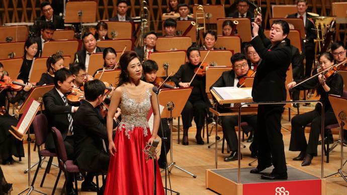 """上海交响乐团""""唱支山歌给党听"""",很多老党员都来了"""