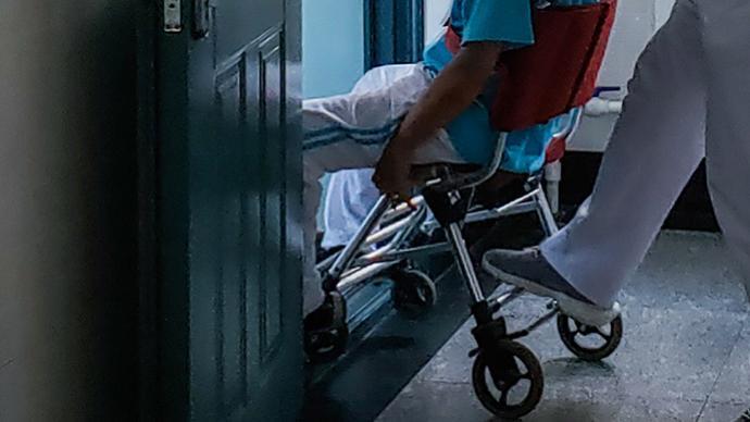 """邰丽华委员:落实随班就读残障学生""""一人一案""""支持体系建设"""