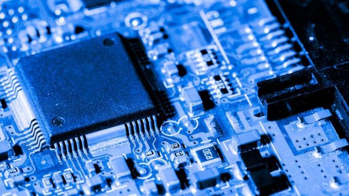 上汽陈虹建议:提高车规级芯片国产化率,出台扶持政策