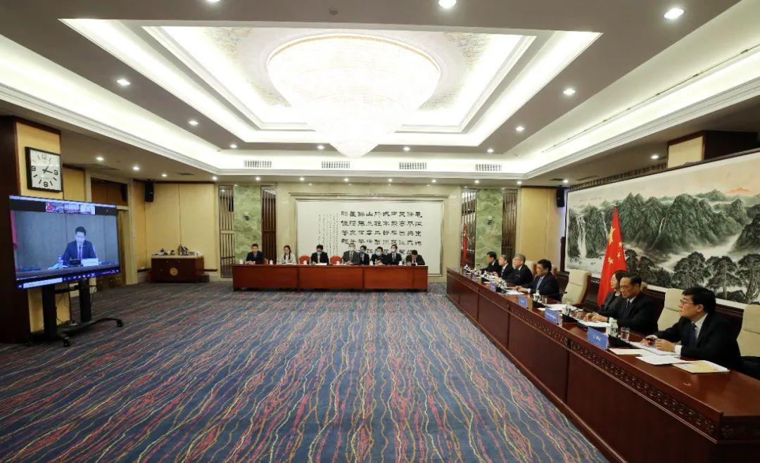 全国人大-蒙古国家大呼拉尔定期交流机制第三次会议。摄影/许麟