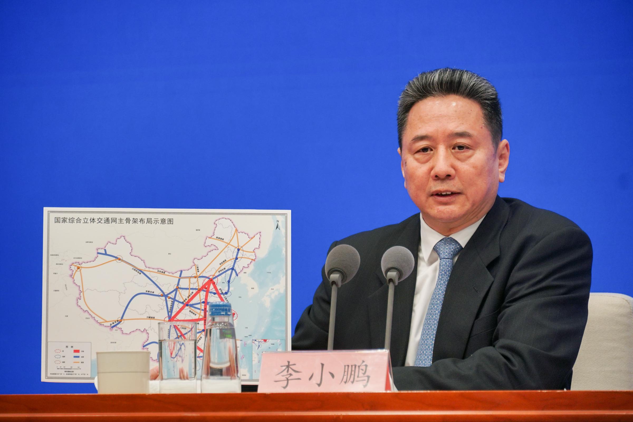 3月1日,交通运输部部长李小鹏详解近日印发的《国家综合立体交通网规划纲要》。澎湃新闻记者 周頔 摄