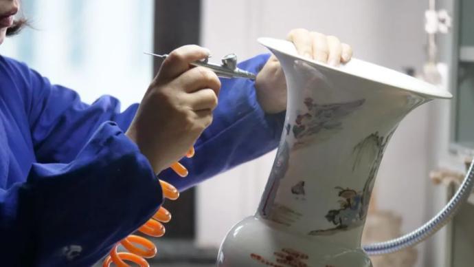 """上博古陶瓷修复技艺:力求每一步骤""""差处不可容一毫"""""""
