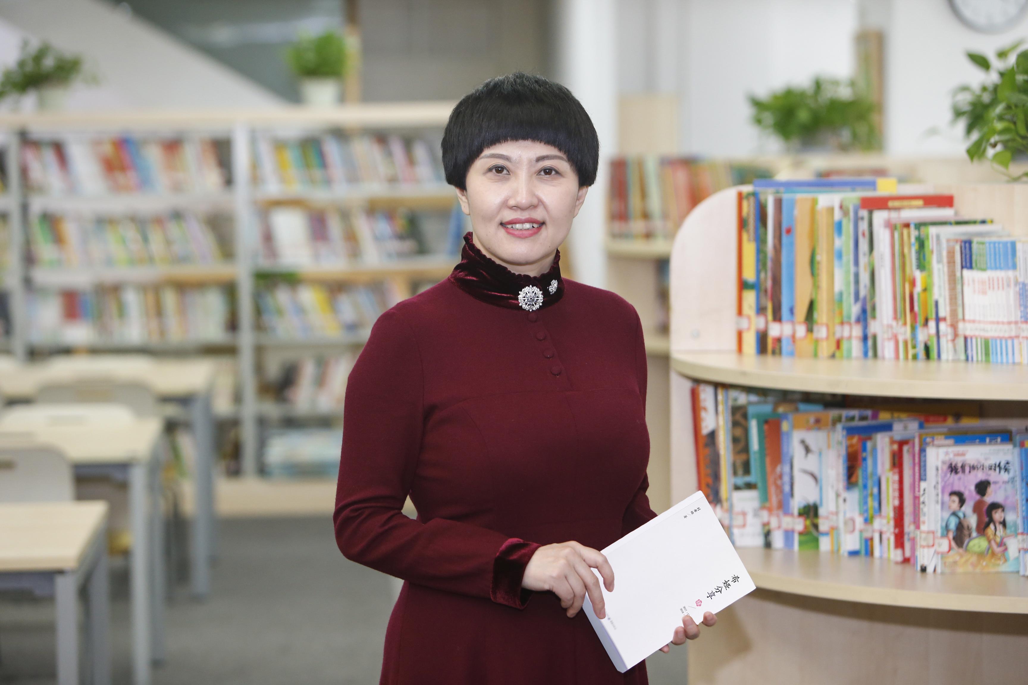 全国人大代表、重庆市谢家湾小学校长刘希娅。? 受访者提供?