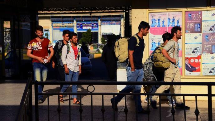 疫论·流动|伊朗边境阿富汗人与库尔德人的遣返、走私和偷渡