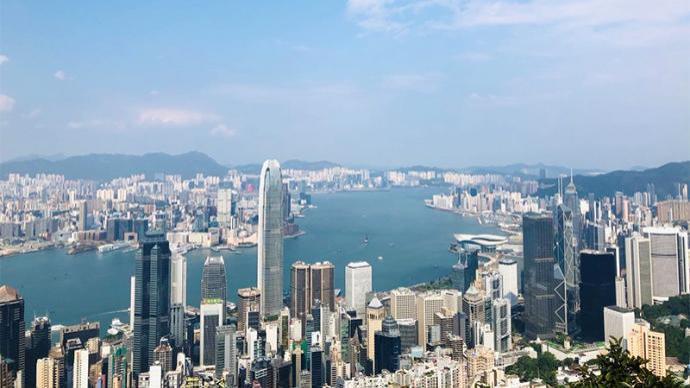 港人港语:完善香港特区选举制度,保证爱国者掌握管治权