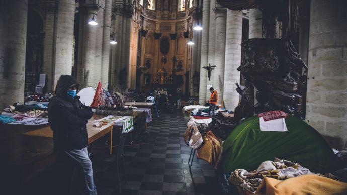 早安·世界|比利时非法移民占据教堂,要求政府提供合法身份