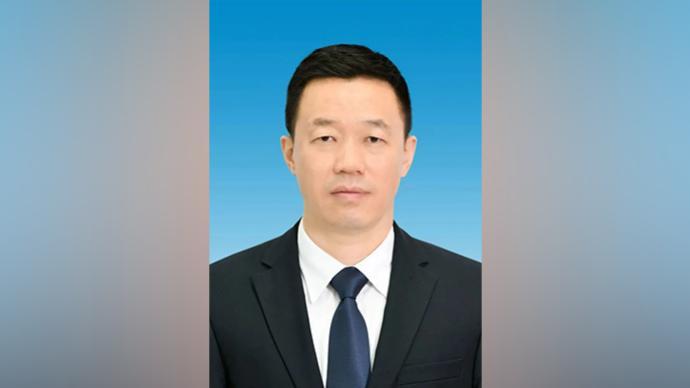 李理当选鄂尔多斯市市长,曾任内蒙古能源局局长