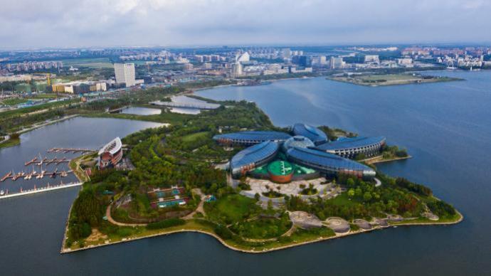 """临港""""十四五""""将建面向亚太的芯片贸易流通、支持服务中心"""
