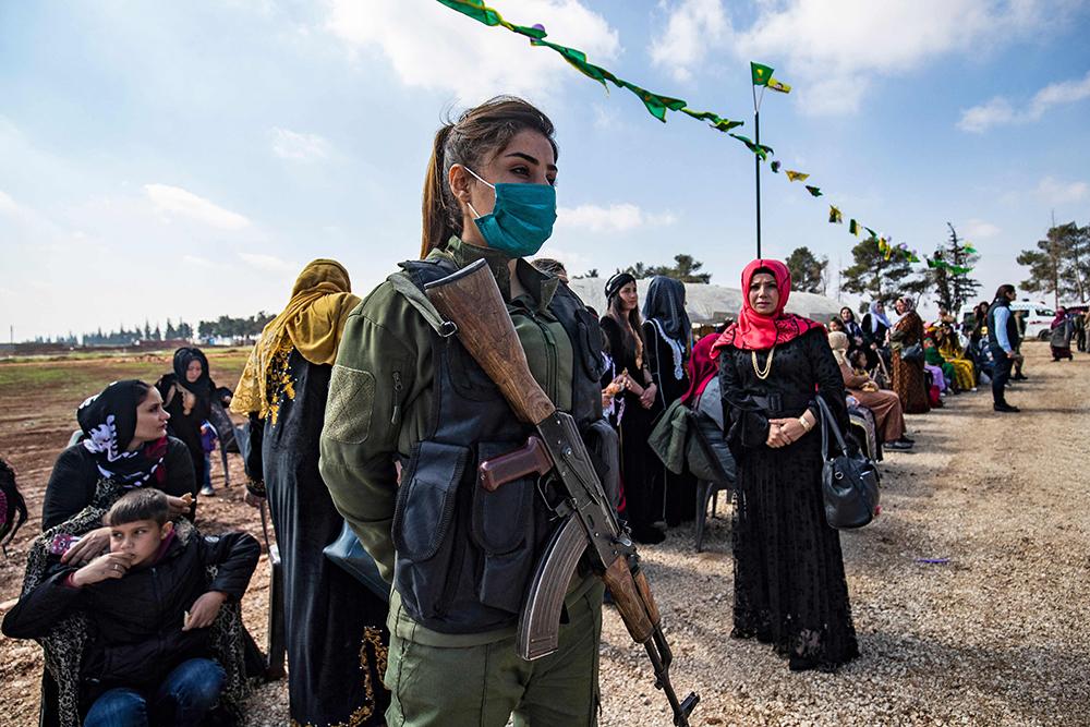 当地时间2021年3月6日,叙利亚东北部城市卡米什利,当地库尔德族妇女举行活动庆祝国际三八妇女节。