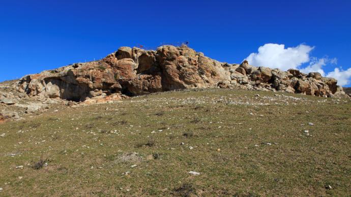 可可托海的远古岩画与无尽浮想