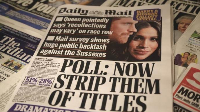 """出现裂痕的魔镜:哈里、梅根与英国王室的""""家庭内战"""""""