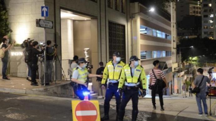 """香港完成中西区两处""""封区""""行动,发现2例初步确诊病例"""