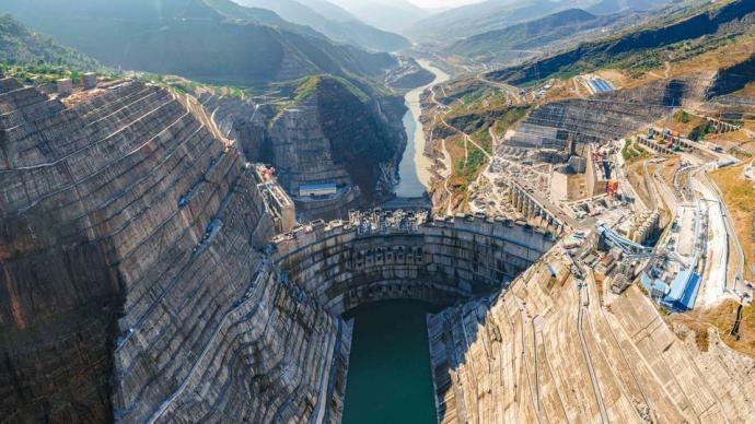 金沙江白鹤滩水电站具备初期蓄水条件