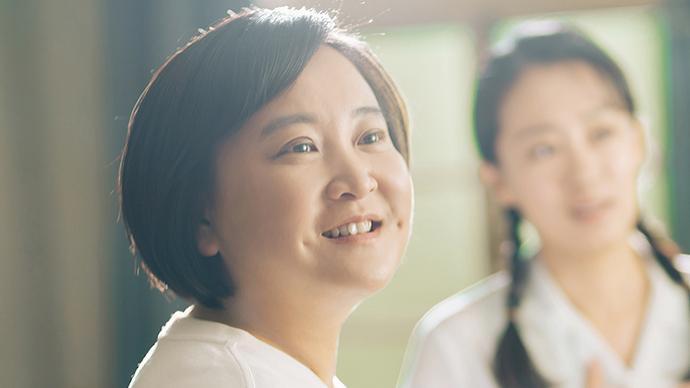 《你好,李焕英》票房突破53亿,贾玲成全球票房最高女导演